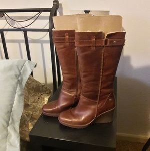 Brand New Ugg Maxine style no 1942 boots.